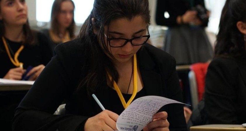 Lise öğrencileri dünyanın sorunlarına çözüm aradı