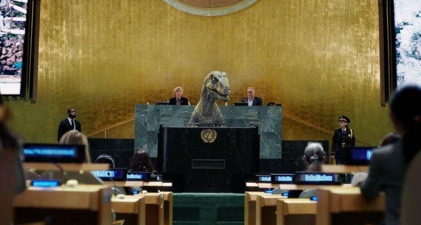 """BM'den dinozorlu iklim felaketi mesajı: """"Yok oluşu seçmeyin"""""""