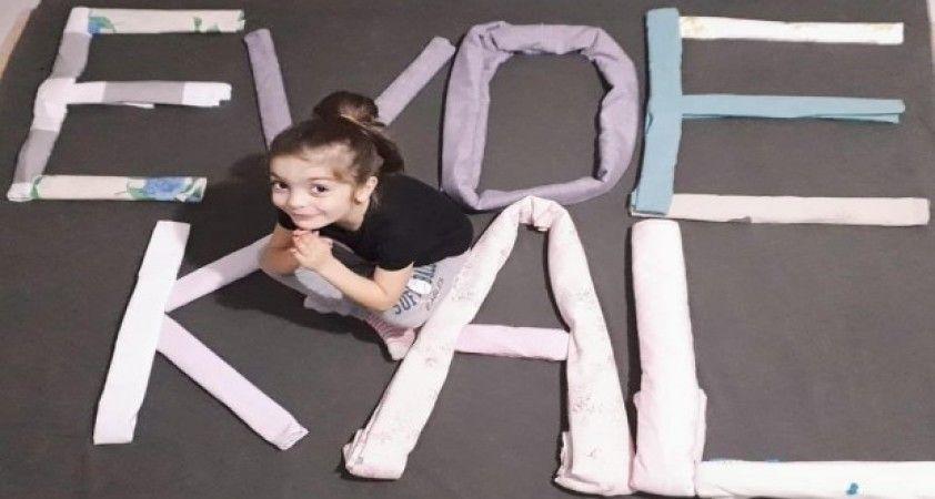Küçük öğrencilerinden oyuncakları ile 'Evde Kal' çağrısı