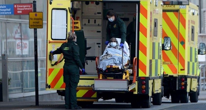 İngiltere'de Kovid-19 nedeniyle son 24 saatte 323 kişi hayatını kaybetti