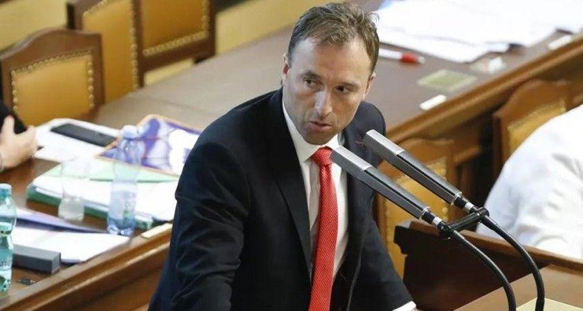 Çekya'da Covid-19 kısıtlamalarını ihlal eden milletvekili istifa edeceğini açıkladı