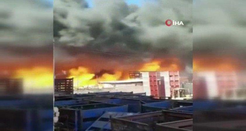 Filistin'de meyve-sebze halinde yangın