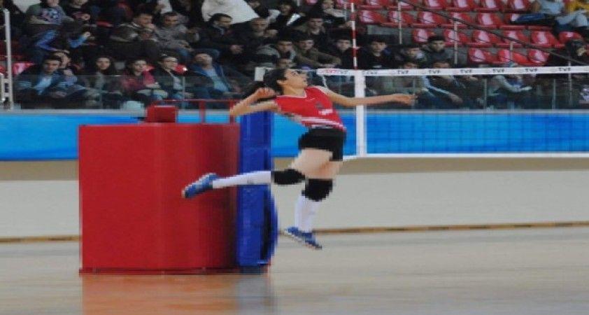 OSB Teknik Koleji Atletikspor Kaptanı Beyza: