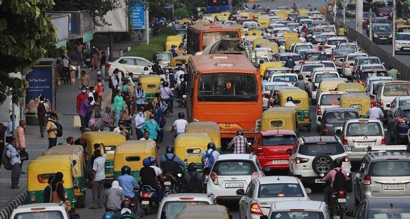 Hindistan bilim kurulu nüfusun yarısının şubat ayına kadar Kovid-19'a yakalanabileceğini açıkladı