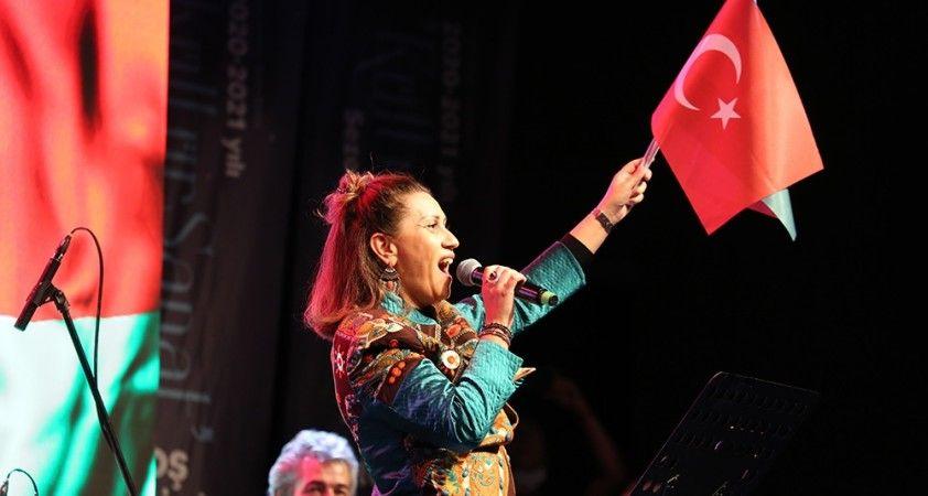 """Azerin; """"Yakın zamanda Dağlık Karabağ'da Çırpınırdı Karadeniz'i söyleyeceğim"""""""