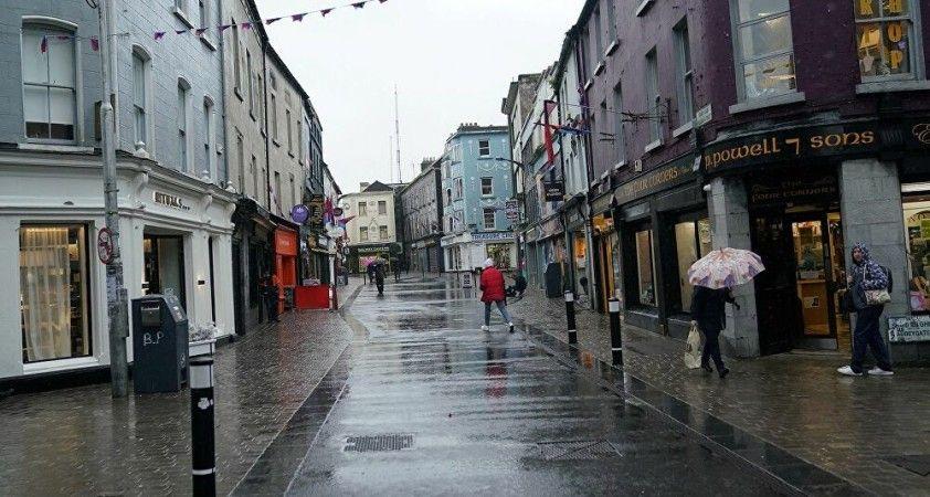 İrlanda'da kısıtlama karşıtı protesto: 11 gözaltı