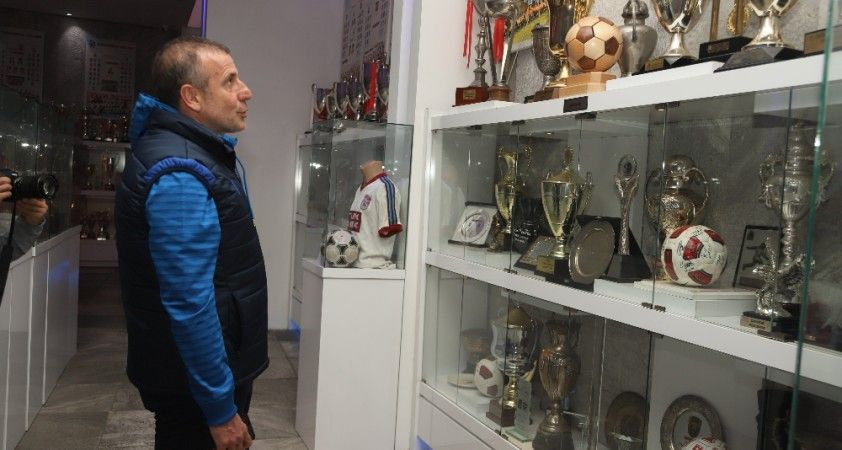 Abdullah Avcı, Trabzonspor Şamil Ekinci Müzesi'ni ziyaret etti