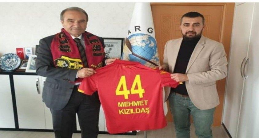 Malatyaspor Taraftarlar Derneği'nden 'Karneni getir atkını al' projesi