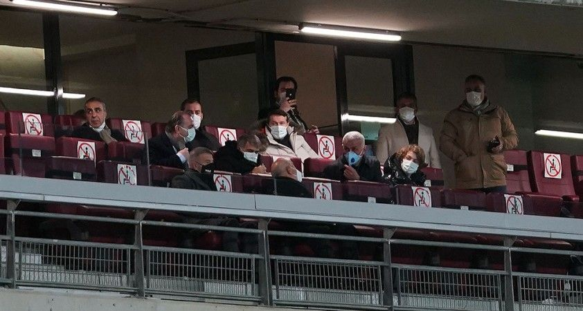 Süper Kupa'da taraftarlar yerini aldı