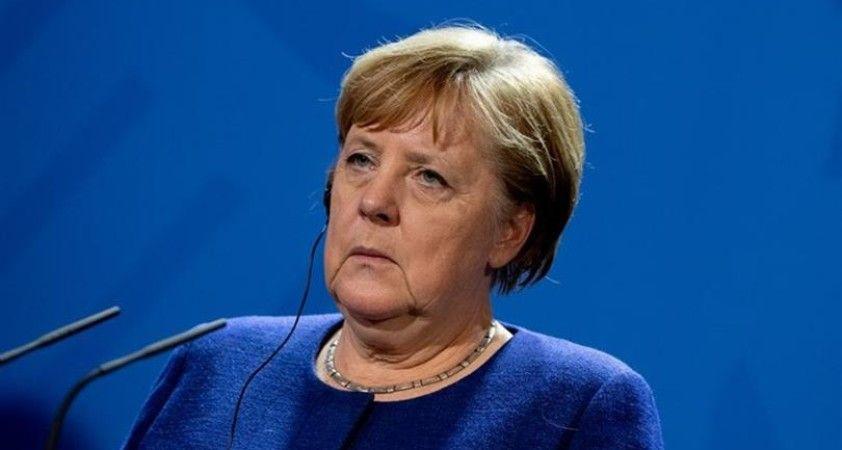 Merkel, koronavirüs nedeniyle kendisini karantinaya aldı