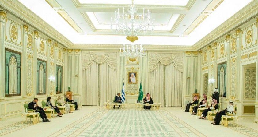 Suudi Arabistan Veliaht Prensi Selman, Yunanistan Başbakanı Miçotakis ile bir araya geldi