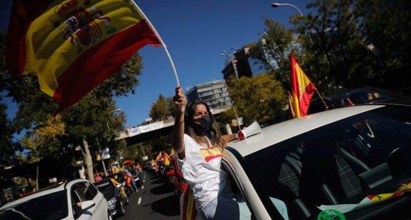 İspanya'da Kovid-19 vakalarındaki artış sürüyor