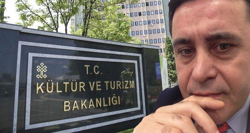 Kültür Bakanı, durma; \'Türbede El Genelgesi\' çıkart..!