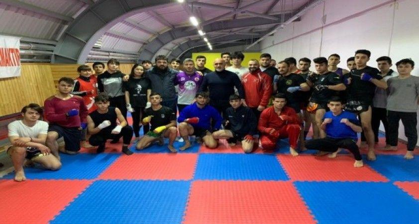 Darıca Belediyesi'nde Muay Thai branşında eğitimler başladı
