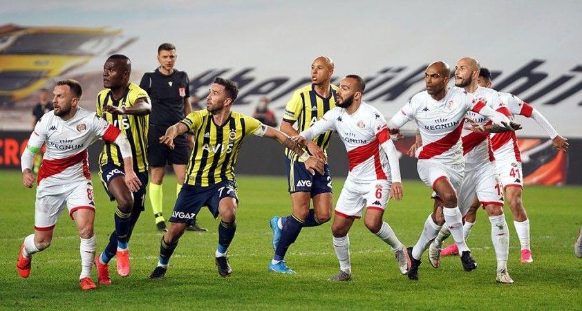 Fenerbahçe, sahasında FTA Antalyaspor'la 1-1 berabere kaldı
