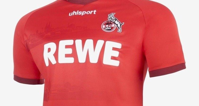 Bundesliga ligindeki FC Köln kulübünün formasında cami silüeti