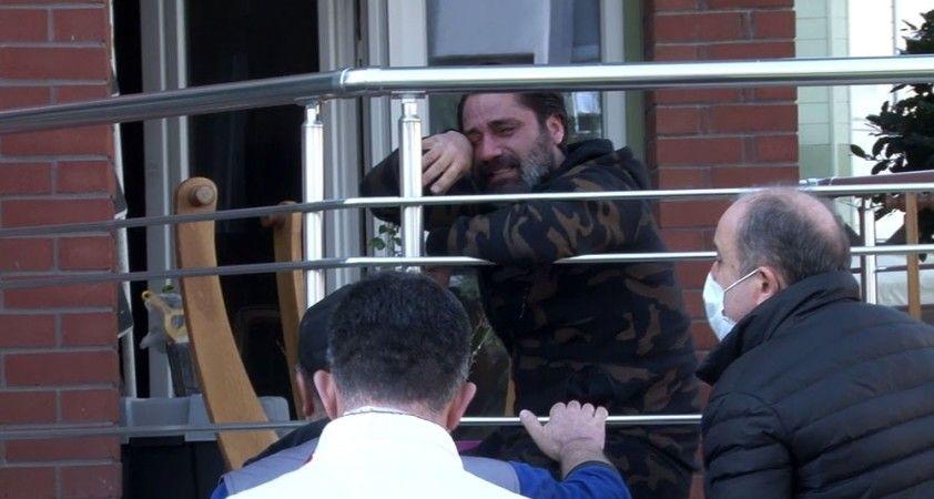 Beylikdüzü'nde şarkıcı Çılgın Sedat'ın evinde yangın çıktı