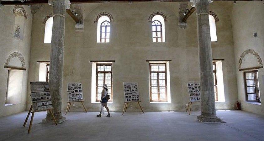 Atina camisiz başkent, tarihi Fethiye Camisi ise sergi salonu