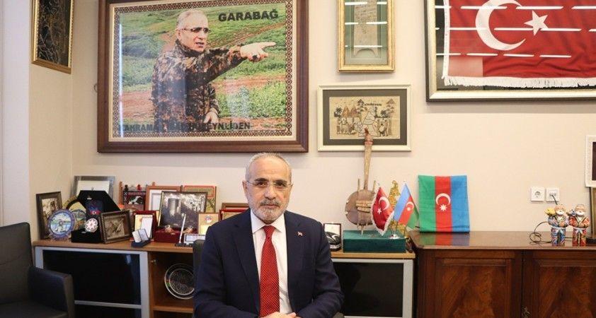 """Topçu: """"Aklımız fikrimiz işgalci Ermenistan askerlerini 'it kovar gibi kovalayan' kahraman evlatlarımızla"""""""