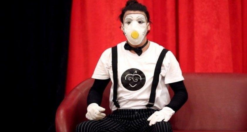 Çiğli'de korona virüs tedbirleri pandomimle anlatıldı