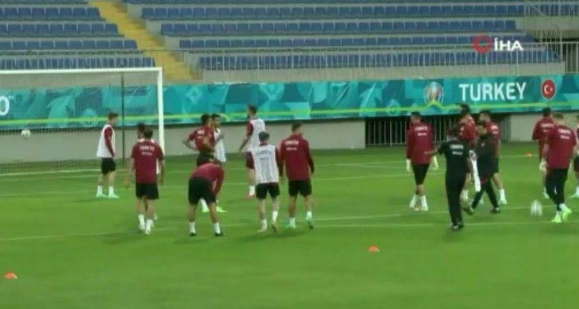 A Milli Takım, Galler maçı hazırlıklarına başladı