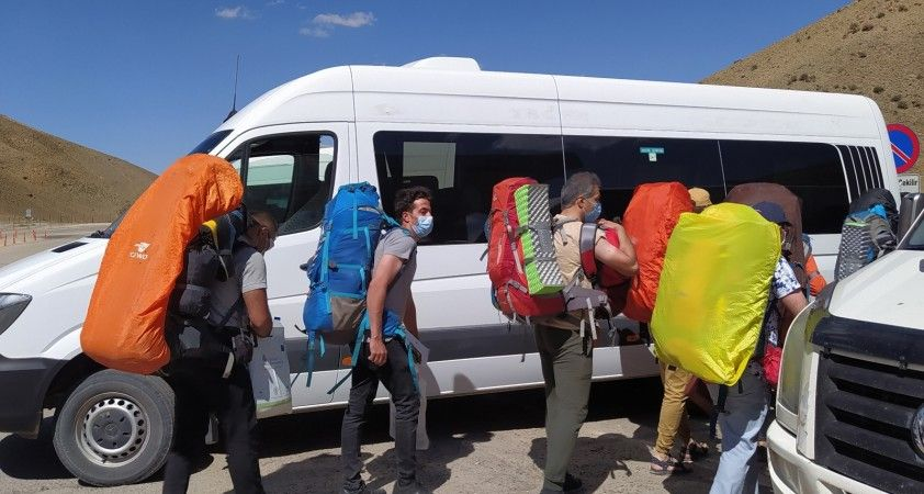 İran'dan Van'a turist kafileleri gelmeye başladı