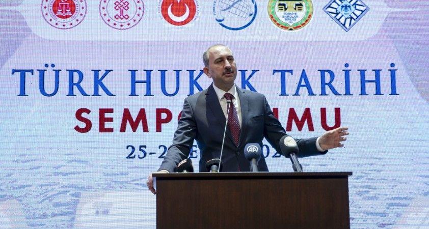 """Adalet Bakanı Gül: """"Kanun-i Esasi'nin geç olmayan bir tarihte ortaya çıkmıştır"""""""