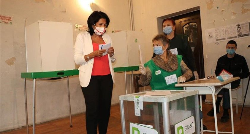 Gürcistan'da halk milletvekili seçimleri için sandık başında