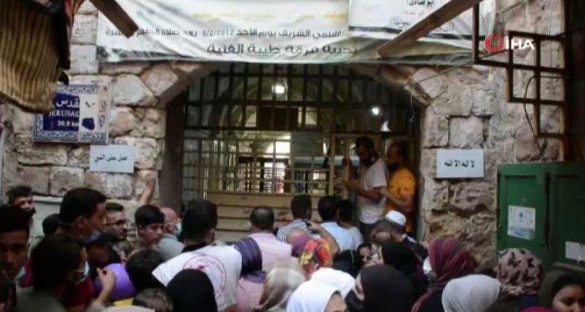 El Halil'de Mevlit Kandili'ni kutlamaya giden Filistinlilere İsrail engeli
