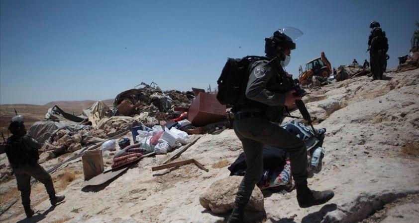İsrail 2 haftada Batı Şeria'da Filistinlilere ait 24 yapıyı yıktı veya zorla aldı