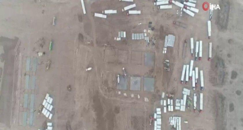 Covid-19 salgınında artan vakalar üzerine Hebei'de izolasyon merkezi inşa ediliyor