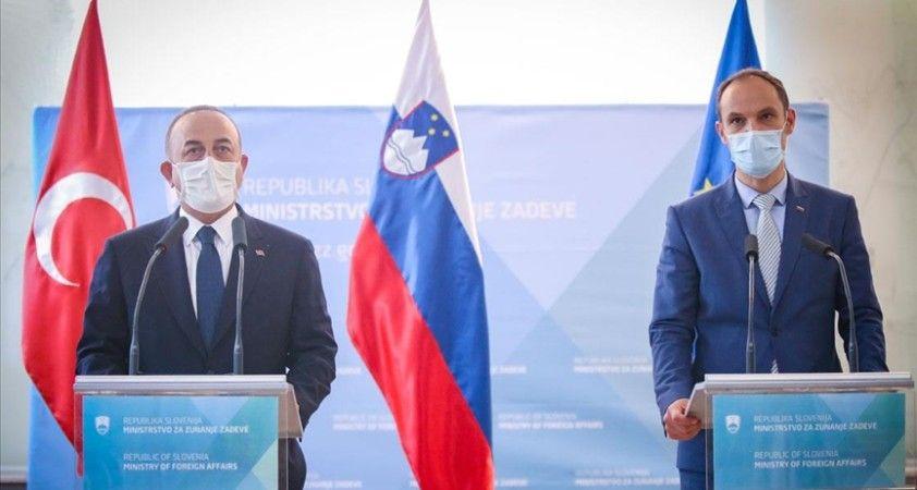 Dışişleri Bakanı Çavuşoğlu: Birçok Batı ülkesinde İslamofobik ve anti-semitik saldırılar artışta