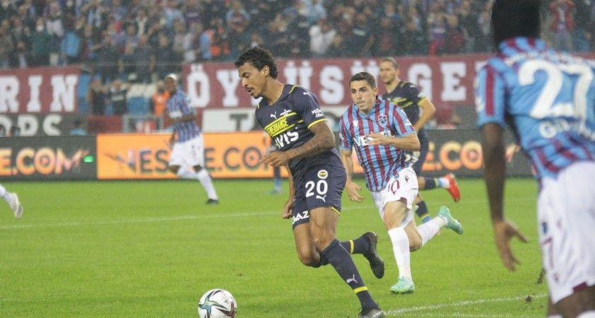 Süper Lig: Trabzonspor: 1 - Fenerbahçe: 1 (İlk yarı)