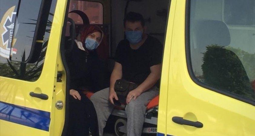 Mısır'da Kovid-19'a yakalanan Türk vatandaşı ve ailesi ambulans uçakla Türkiye'ye getiriliyor