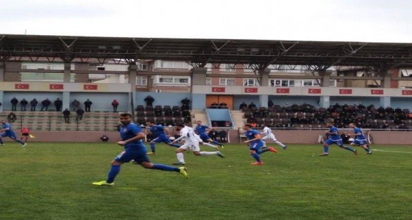 Yeşilyurt Belediyespor lidere tek golle kaybetti