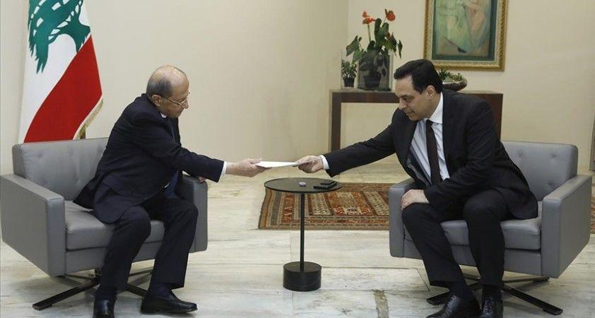 Lübnan'da hükümetin kurulmasının önündeki engeller bir aydan fazla zaman geçse de aşılamadı