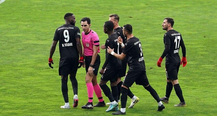 Kasımpaşa sahasında karşılaştığı DG Sivasspor'u 2-0 mağlup etti