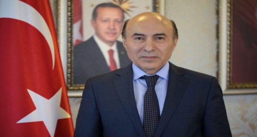 DÜ Rektörü Gül'den Biz Bize Yeteriz kampanyasına destek