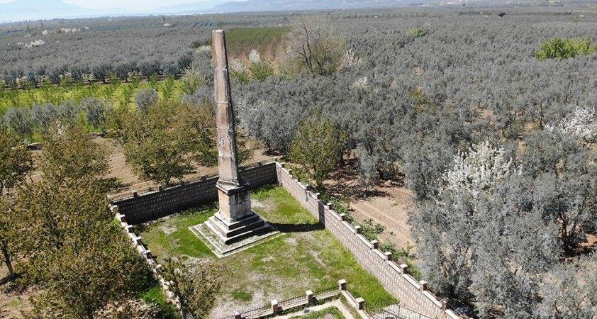 İznik'teki dikilitaş, 2 bin yıldır ayakta