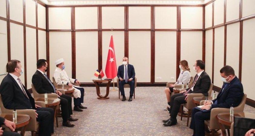 Çavuşoğlu, Romanya Müslümanları Müftüsüyle ve Türk-Tatar soydaş toplumu temsilcileriyle görüştü