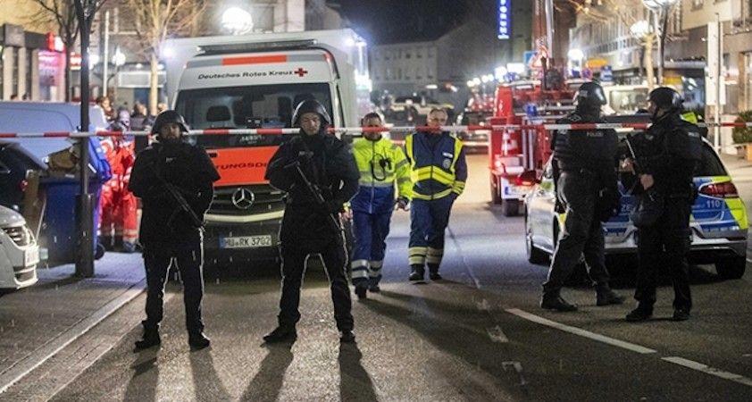 Almanya'daki saldırganın ruhsatlı silahları olduğu ortaya çıktı