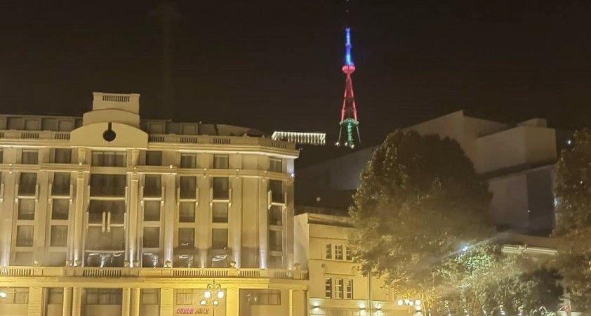Tiflis Televizyon Kulesi, Azerbaycan bayrağının renkleriyle aydınlatıldı