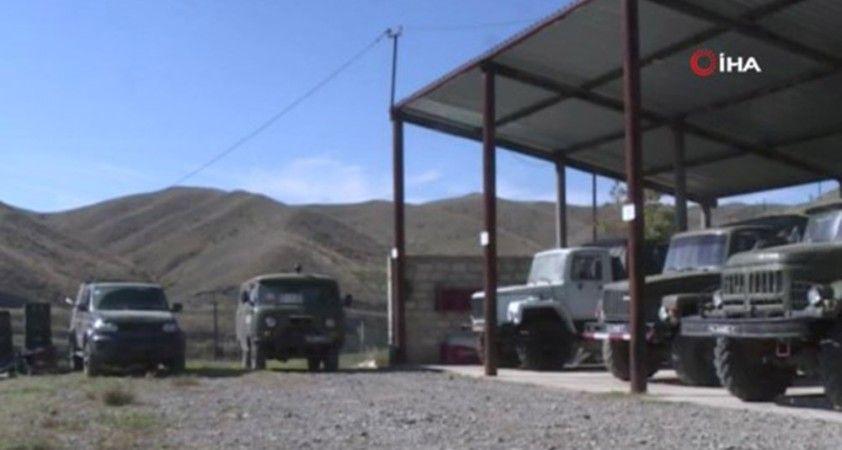 Azerbaycan, Ermenistan ordusunun bıraktığı mühimmat ve araçların görüntülerini paylaştı