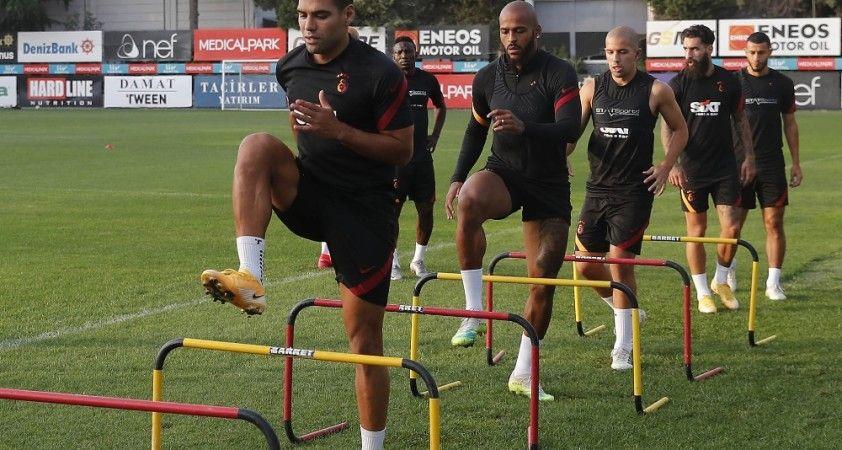 Galatasaray, derbi için kampa girdi