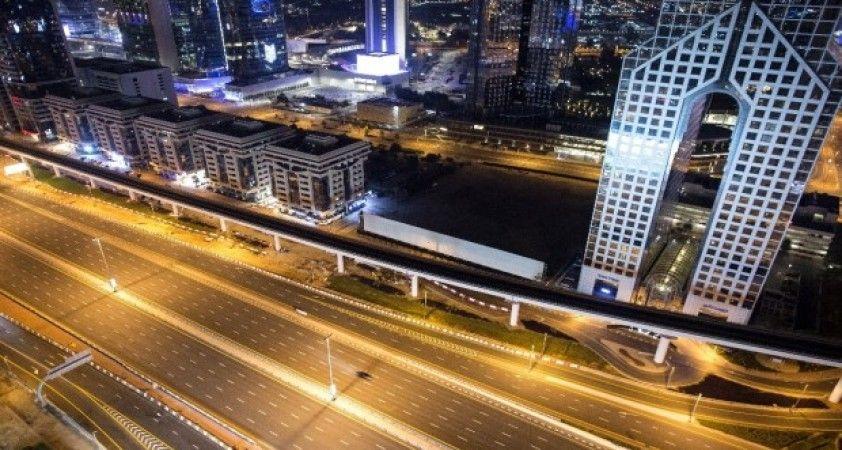 BAE'de koronavirüs salgını sonrası sokaklar boş kaldı