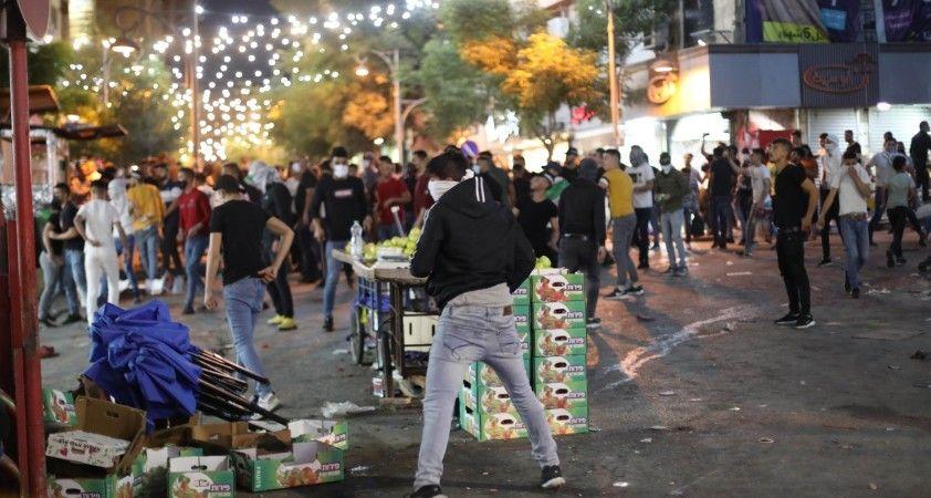 İsrail güçlerin, El Halil'de Filistinlilerin protestosuna müdahale: 35 yaralı