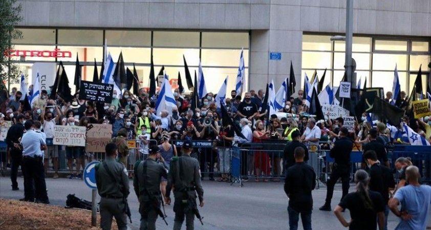 İsrail'de koalisyon krizine dönüşen bütçe planı ertelendi