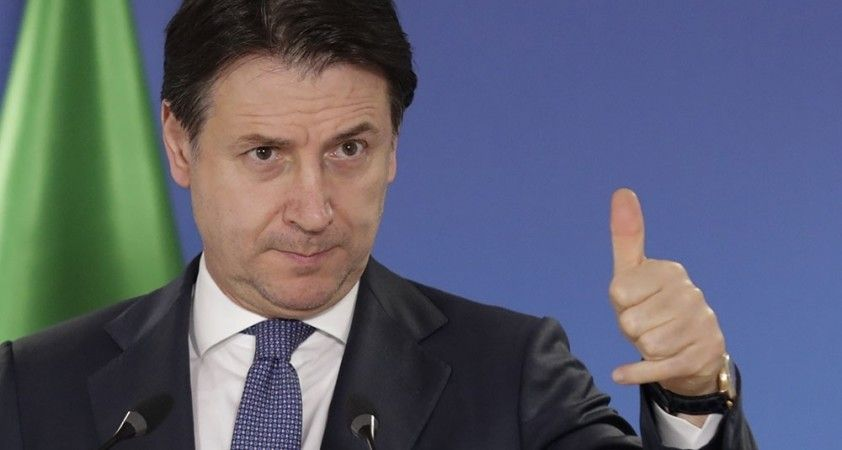 Başbakan Giuseppe Conte istifa etti