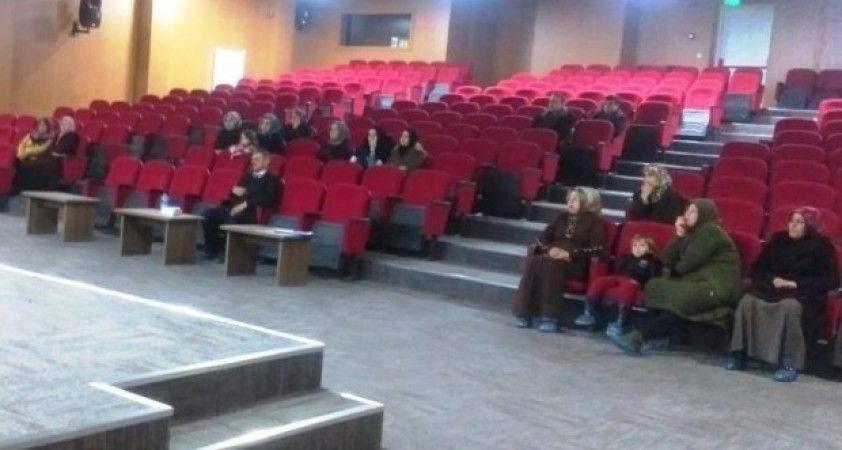 Hisarcık'ta velilere 'Ergenlik Dönemi ve Mahremiyet' konulu seminer