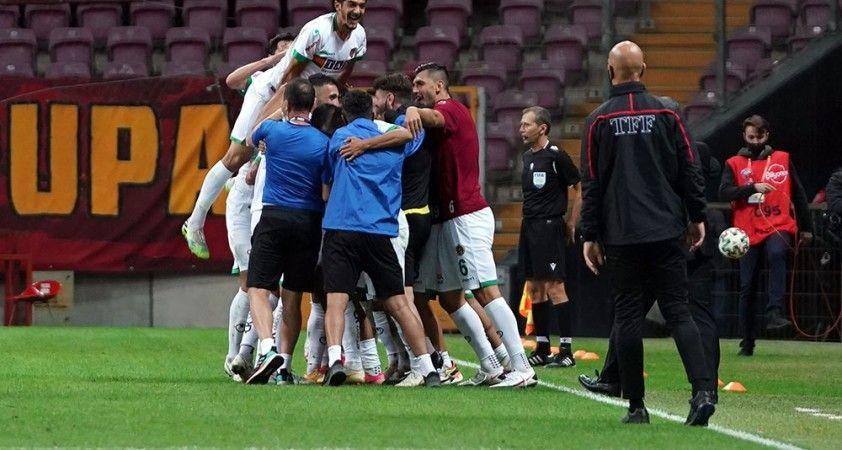 Galatasaray evinde ilk kez Alanyaspor'a yenildi
